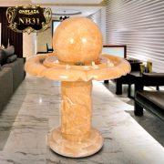 Quả cầu phong thủy trụ chạm khắc họa tinh tế cho phòng khách sang trọng NB31
